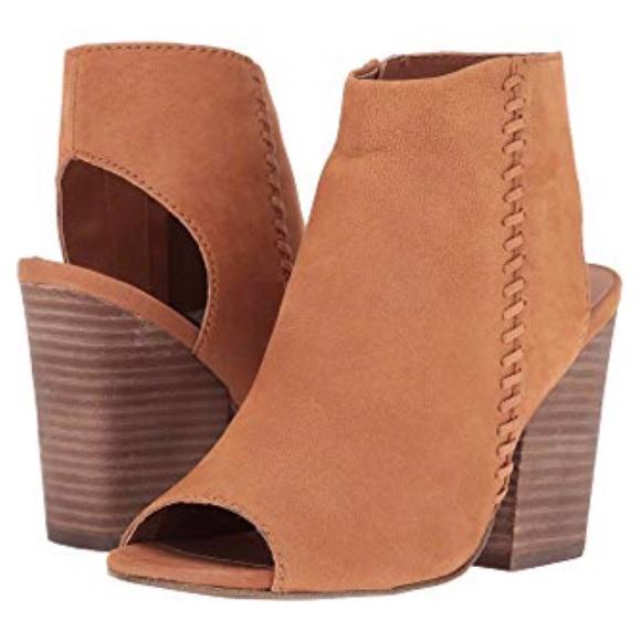 859567fc8e7 Steve Madden Shoes - Steve Madden Tan Nubuck Ankle Booties Mingle1